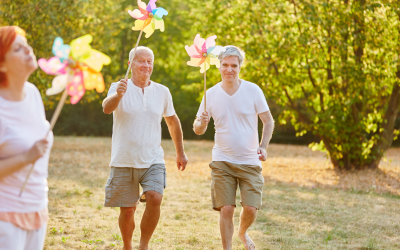 8 Summer Activities Seniors and Caregivers Can Enjoy Together